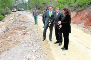 El presidente de la Diputación Francisco Núñez, visita las carreteras afectadas junto a la alcaldesa de Yeste, Estíbaliz García