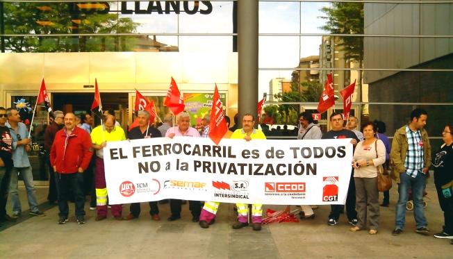 concentración, renfe, adif, trenes, ferroviarios, trabajadores, sindicatos, protesta