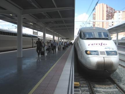 Primeros viajes comerciales del AVE Albacete-Alicante