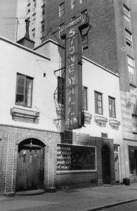 Stonewall_Inn_1969, Orgullo gay, lesbiana, opinión, Albacete